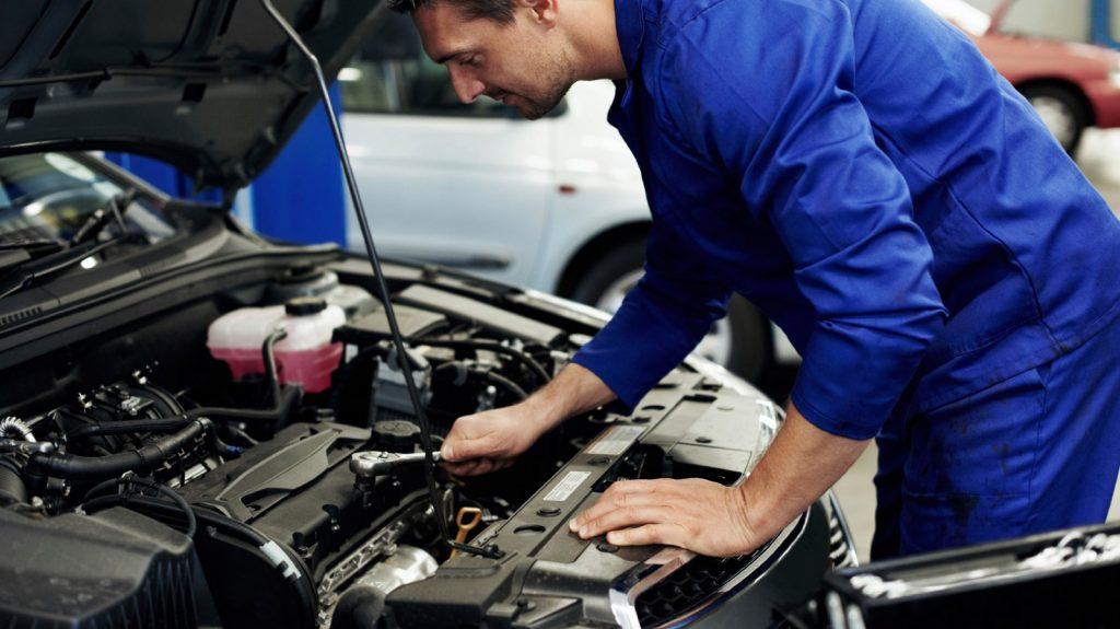 Simptome Caseta de directe defecta mecanic auto