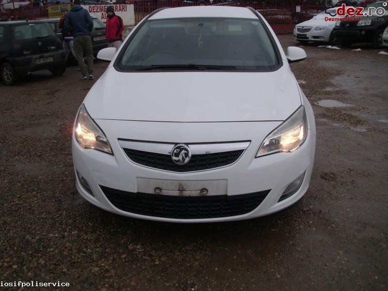 Dezmembrez Opel Astra J Anf 2011 Cu Motor 1 7 Dezmembrări auto în Orastie, Hunedoara Dezmembrari