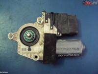 Vindem motoras macara dreapta spate cu seriile 5p0839462a si 1k0959704e... în Suceava, Suceava Dezmembrari