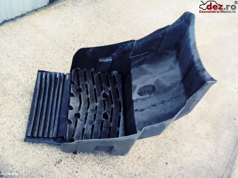 Carenaj aparatoare noroi Mercedes Atego 850 1998 -2004 Dezmembrări camioane în Suceava, Suceava Dezmembrari