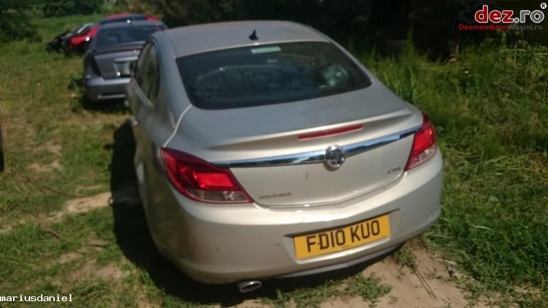 Dezmembrez Opel Insignia