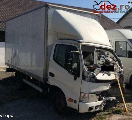 Dezmembrez Camioneta 3 5 Tone Toyota Dyna Motor 3000 Diesel în Botosani, Botosani Dezmembrari