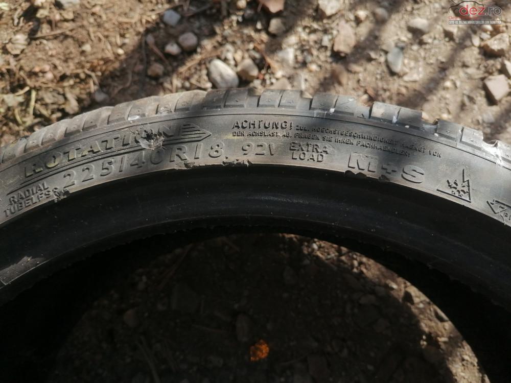 Anvelope de iarna - 225 / 40 - R18 Dunlop