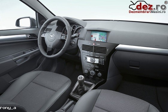 Plansa bord Opel Astra H 2007 Piese auto în Bacau, Bacau Dezmembrari