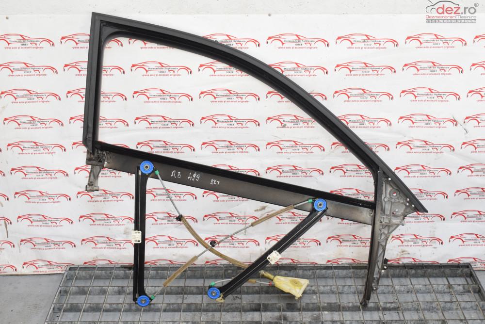 Macara Usa Fata Dreapta Audi A3 8p Coupe 499  Piese auto în Sighisoara, Mures Dezmembrari