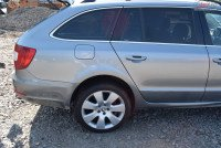Usa Spate Dreapta Skoda Superb 2013 Combi Gri Lf8l 620 Piese auto în Sighisoara, Mures Dezmembrari