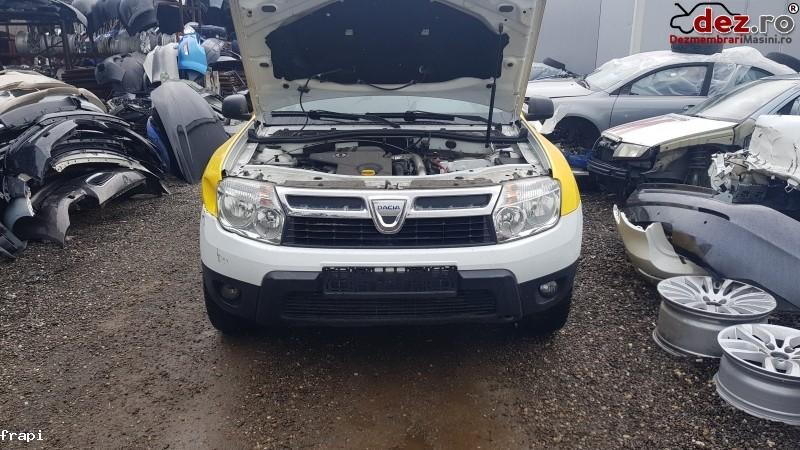 Bara fata Dacia Duster 2011