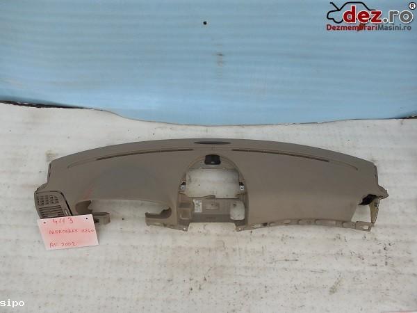 Plansa bord Mercedes C 240 w203 2002 Piese auto în Garoafa, Vrancea Dezmembrari