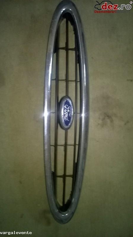 Grila radiator Ford Mondeo 1996 Piese auto în Odorheiu Secuiesc, Harghita Dezmembrari