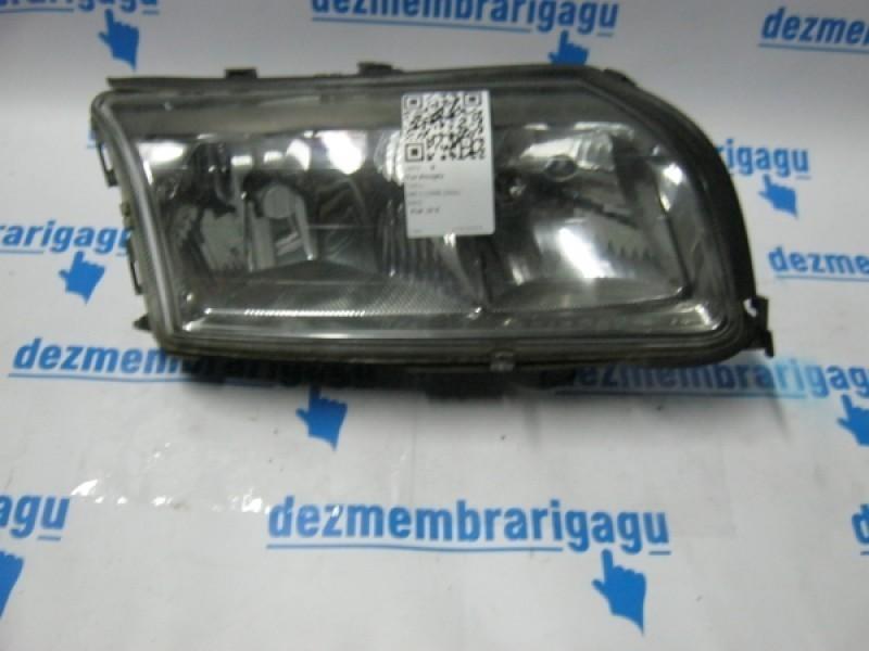 Far Volvo S80 1 2002 cod 8662860 Piese auto în Petrachioaia, Ilfov Dezmembrari
