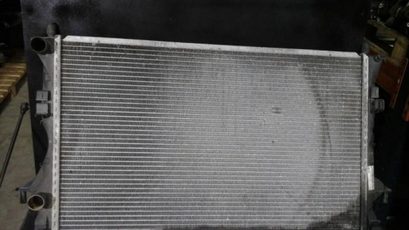 Radiator apa Renault Espace 4 2004 cod 820008765 Piese auto în Petrachioaia, Ilfov Dezmembrari