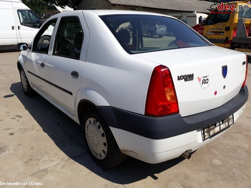 Dezmembrez Dacia Logan 2006