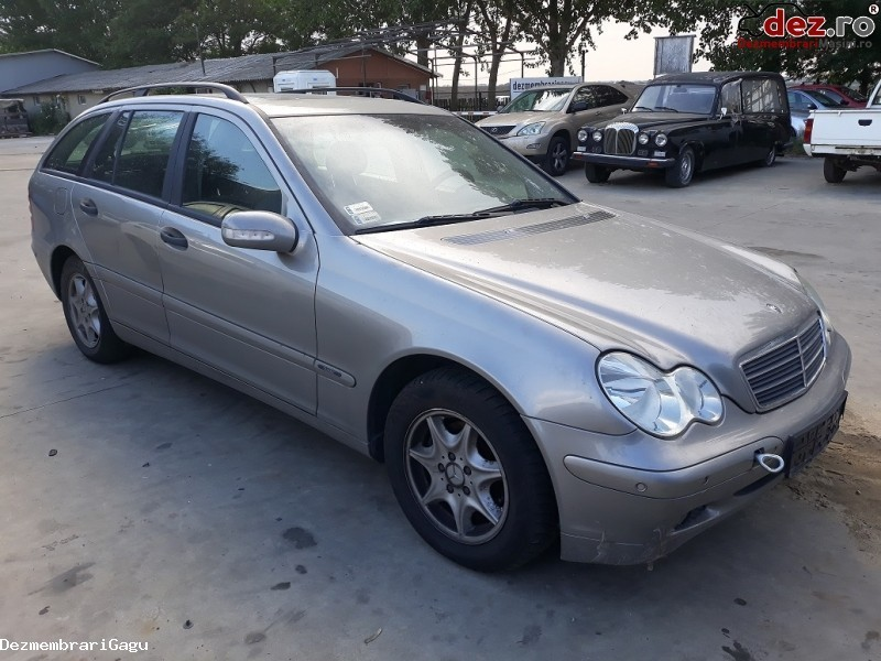 Dezmembrez Mercedes C  Class / 203 Din 2004