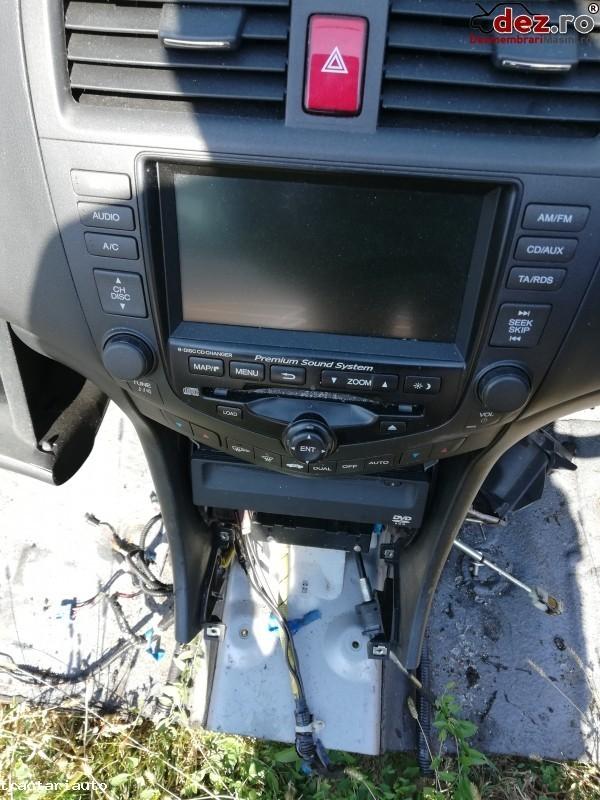 Dezmembrez Honda Accord 2007