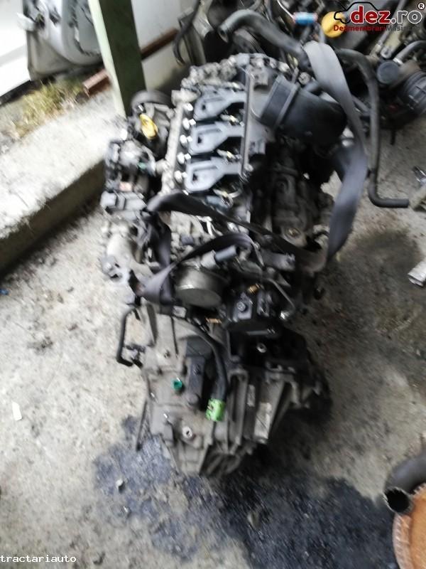 Dezmembrez Renault Master 3 2012