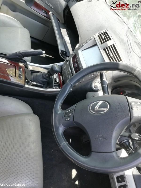 Dezmembrez Lexus Is220