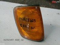 Semnalizare spate Mercedes 230 1990 Piese auto în Urziceni, Ialomita Dezmembrari