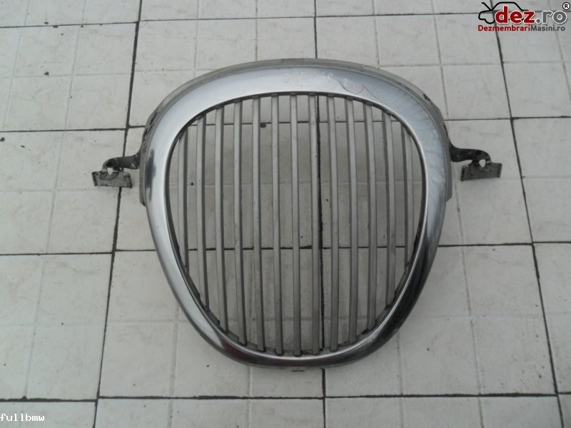 Vand grila radiator jaguar s  type `99  200 lei/buc  Dezmembrări auto în Urziceni, Ialomita Dezmembrari