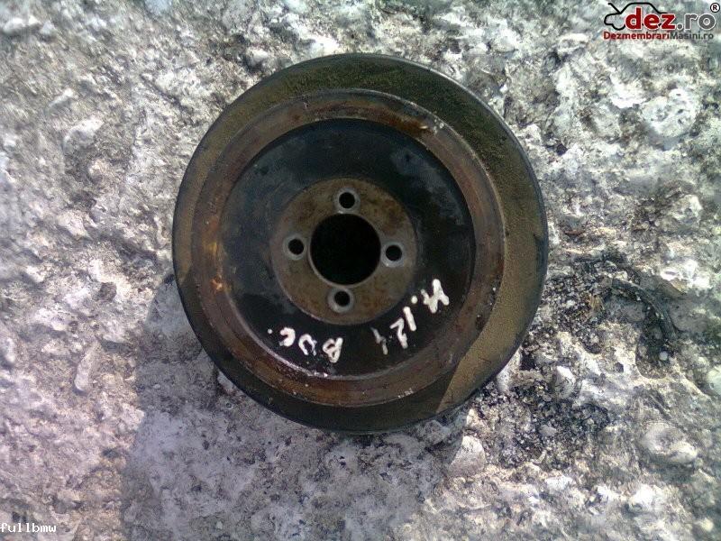 Vand fulie pompa apa mercedes 200e w124 2 0e 91` Dezmembrări auto în Urziceni, Ialomita Dezmembrari