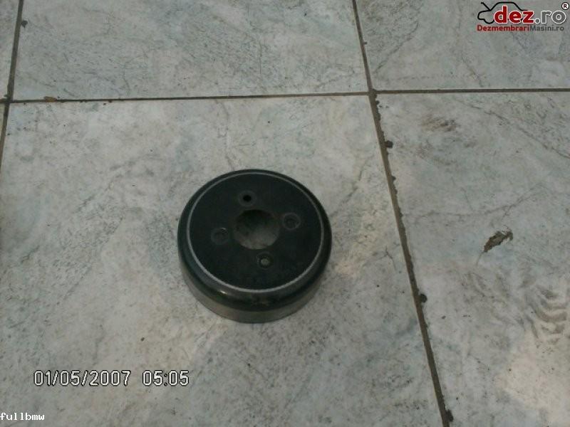 Vand fulie pompa apa mercedes s500 w220 5 0i 1999 50 lei Dezmembrări auto în Urziceni, Ialomita Dezmembrari