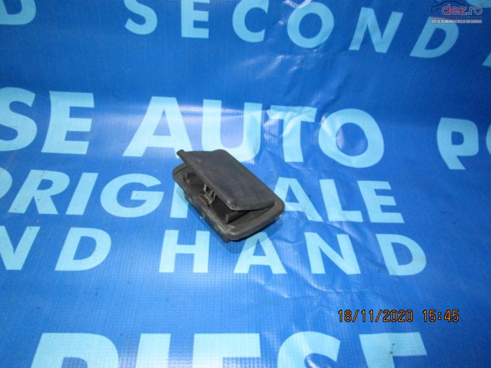 Scrumiera Renault Clio 2003 7702253140 Piese auto în Urziceni, Ialomita Dezmembrari