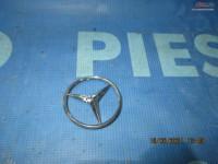 Emblema Mercedes C200 W203 A2037580058 Piese auto în Urziceni, Ialomita Dezmembrari