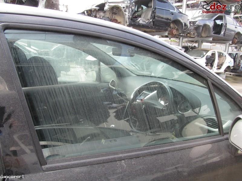 Geam usa stanga, dreapta Peugeot 207 2007