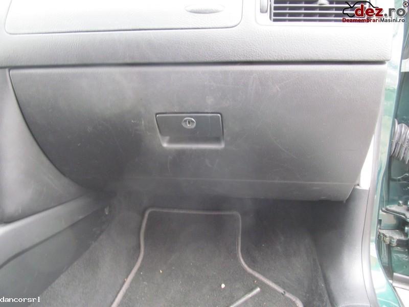 Torpedou Volkswagen Golf 2001