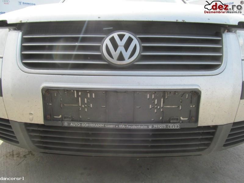 Grila radiator Volkswagen Passat 2004