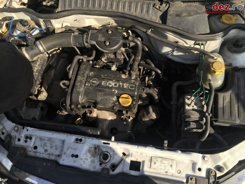 Dezmembrez Opel Corsa C An 2001 Motor 1000cmc