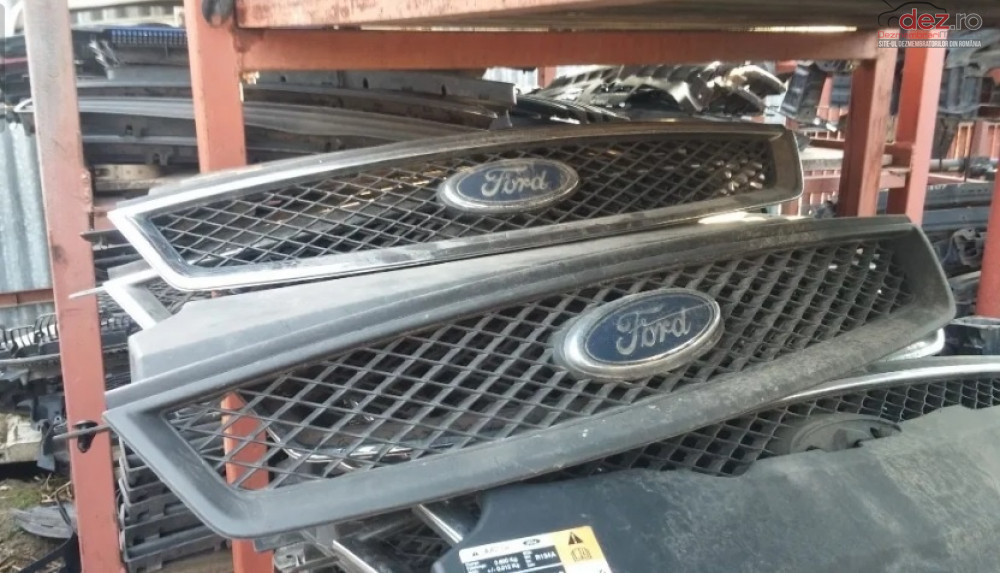 Grila Radiator Ford Focus 2 Piese auto în Craiova, Dolj Dezmembrari