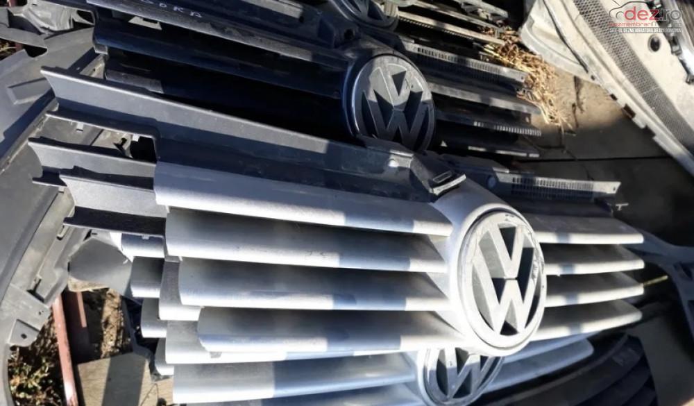 Grila Radiator Vw Bora Piese auto în Craiova, Dolj Dezmembrari