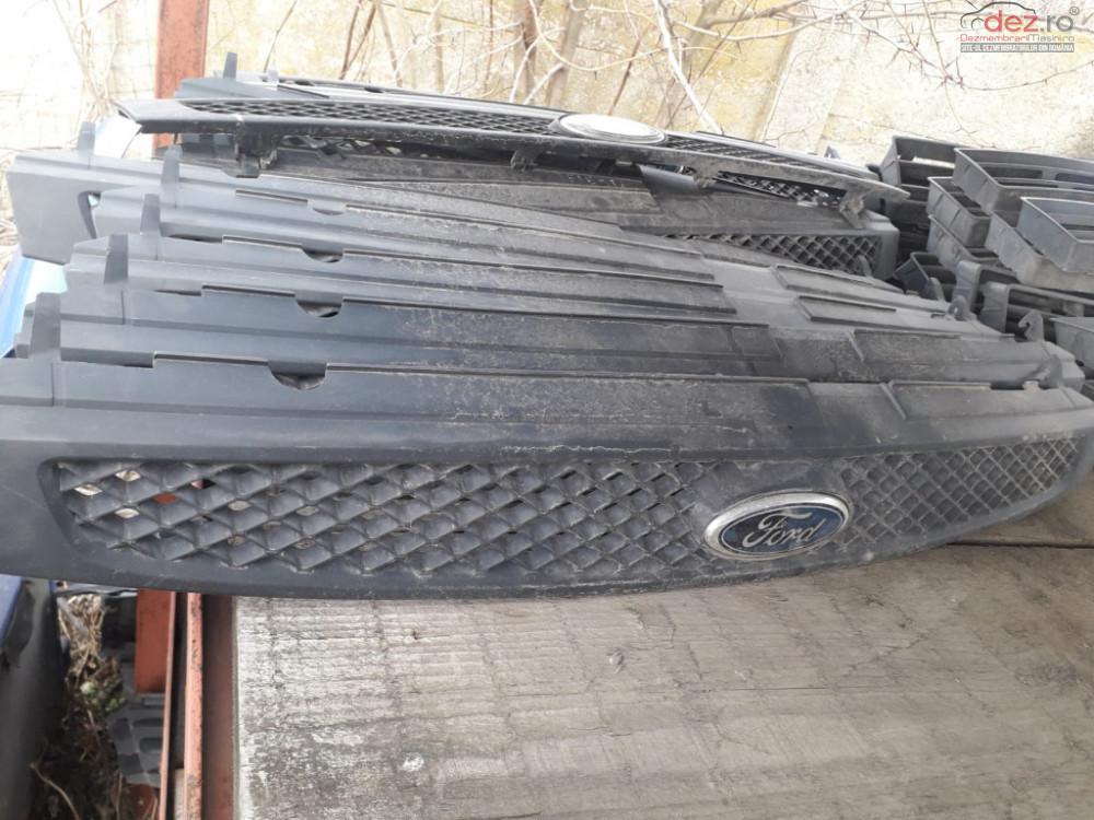 Grila Radiator Ford Fiesta 5 Piese auto în Craiova, Dolj Dezmembrari