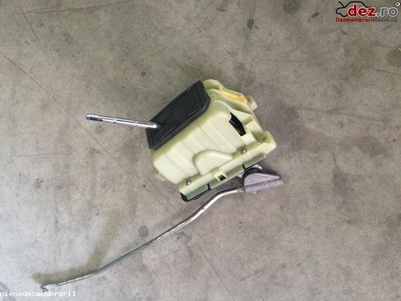 Timonerie cutie de viteza Mercedes C 180 2008 Piese auto în Pitesti, Arges Dezmembrari