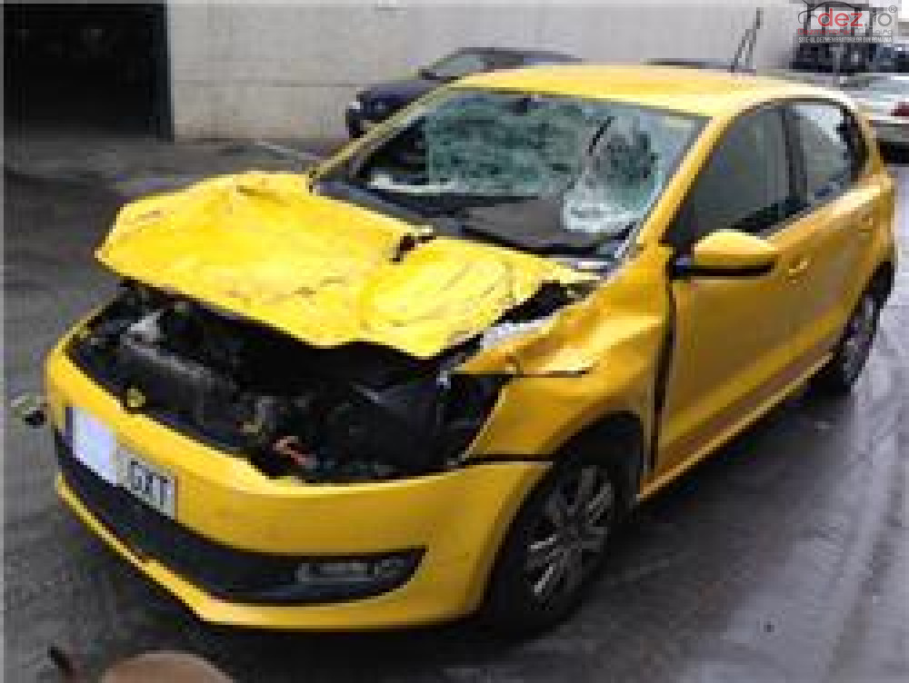 Cumpar Volkswagen Polo 6 din 2014, avariat in fata, spate, lateral(e) Mașini avariate în Bucuresti, Bucuresti Dezmembrari