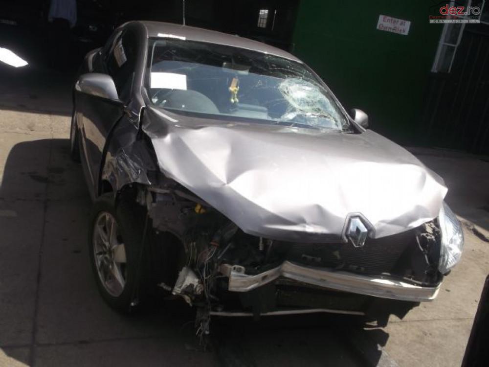 Cumpar Renault Megane din 2015, avariat in fata, spate, lateral(e) Mașini avariate în Bucuresti, Bucuresti Dezmembrari