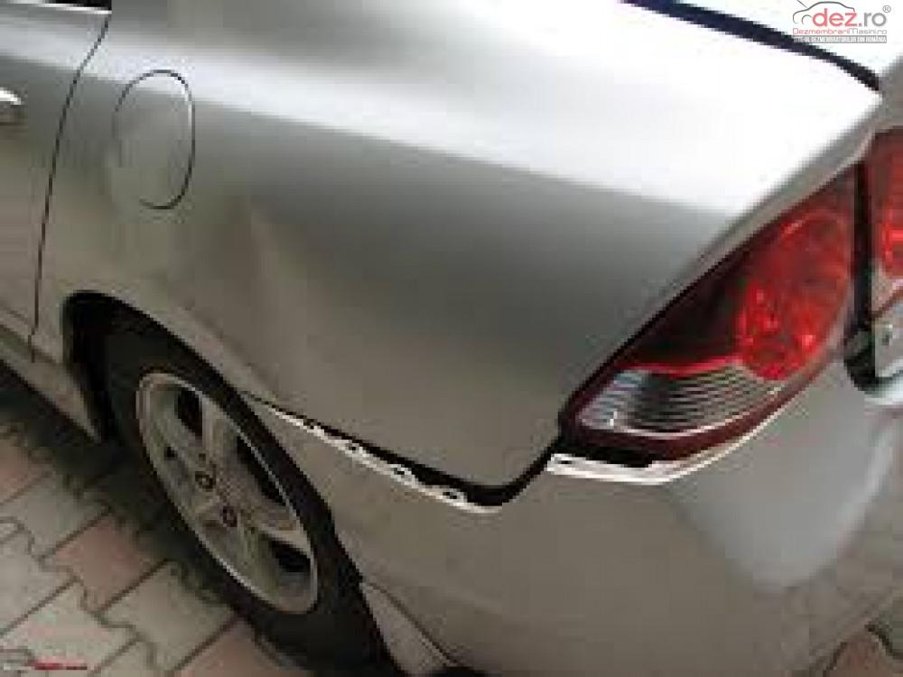 Cumpar Honda Civic din 2011, avariat in fata, spate, lateral(e) Mașini avariate în Bucuresti, Bucuresti Dezmembrari