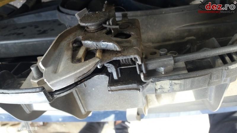 Incuietoare capota fata Ford Fusion 2010