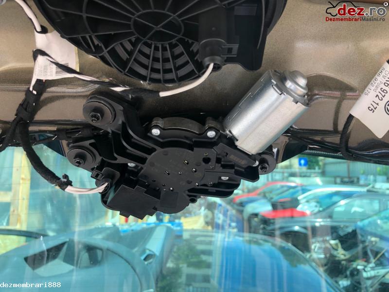 Motoras stergator luneta Volkswagen Golf 2010 cod 5k6 955 711 b în Bucuresti, Bucuresti Dezmembrari