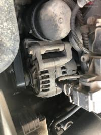 Alternator Bmw E46 318 Piese auto în Bucuresti, Bucuresti Dezmembrari