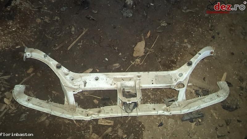 Trager / Panou frontal Ford Focus 2002 în Valea Seaca, Iasi Dezmembrari