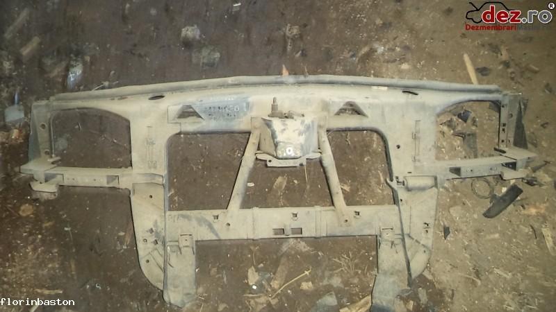 Trager / Panou frontal Ford Mondeo 2001 în Valea Seaca, Iasi Dezmembrari