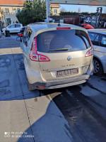 Dezmembrez Renault Scenic An 2013 în Bucuresti, Bucuresti Dezmembrari