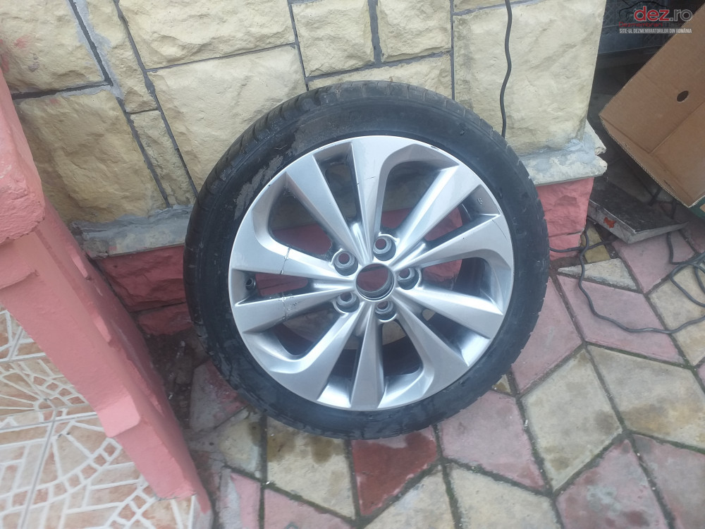 Janta/17 Toyota Auris Piese auto în Ovidiu, Constanta Dezmembrari