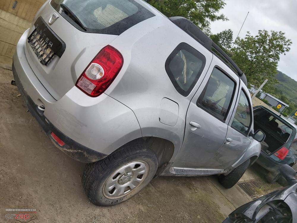 Dezmebrez Dacia Duster  Dezmembrări auto în Moinesti, Bacau Dezmembrari