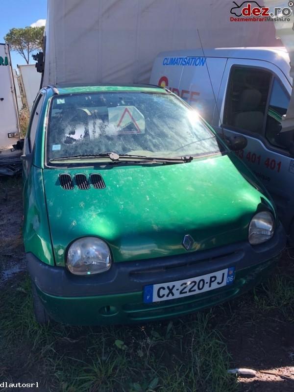 Dezmembrez Renault Twingo  2000  Dezmembrări auto în Cosereni, Ialomita Dezmembrari