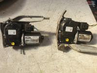 Motoras Stergator Parbriz Ford B Max 2014 cod AV11-17504-BE , AV11-17504-AE Piese auto în Cosereni, Ialomita Dezmembrari
