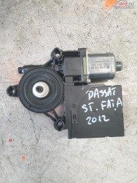 Motoras Macara Stanga Fata Vw Passat 2012 Cod 981675 318 0130822451 Piese auto în Cosereni, Ialomita Dezmembrari