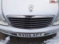 Grila radiator Mercedes S 320 w220 2005 Piese auto în Bucuresti Sector 3, Ilfov Dezmembrari