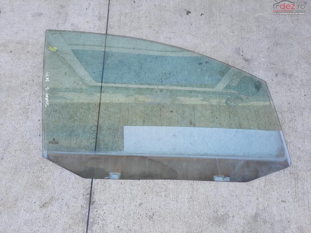 Vand Geam Dreapta Fata Vw Touran   2006  Piese auto în Baia Mare, Maramures Dezmembrari